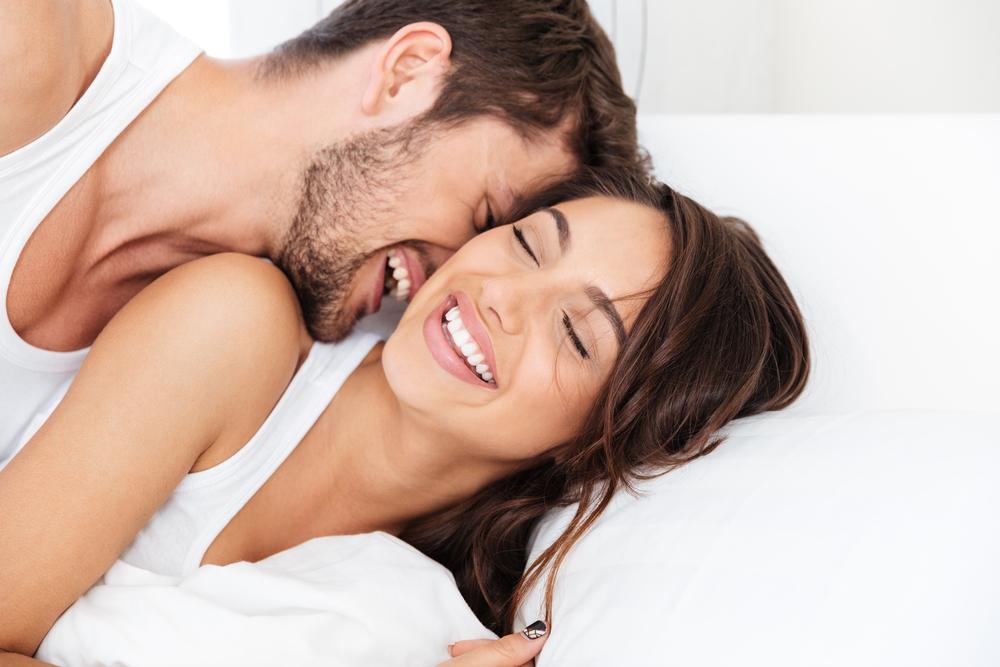 Член глубоко секс зрелой пары жопу ебут марину